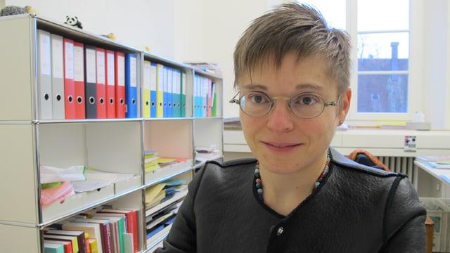Claudia Hänzi in ihrem Büro