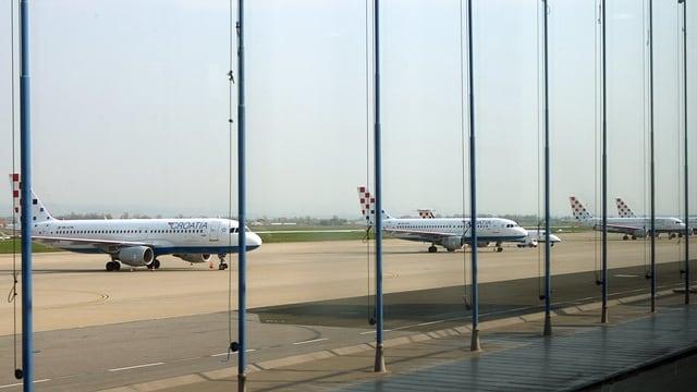 Parkierte Flugzeuge von Croatia Airlines