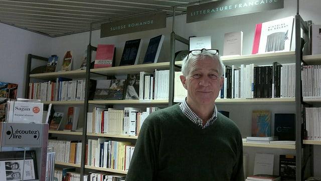 Fredi Barth in seiner Buchhandlung «Romanica»