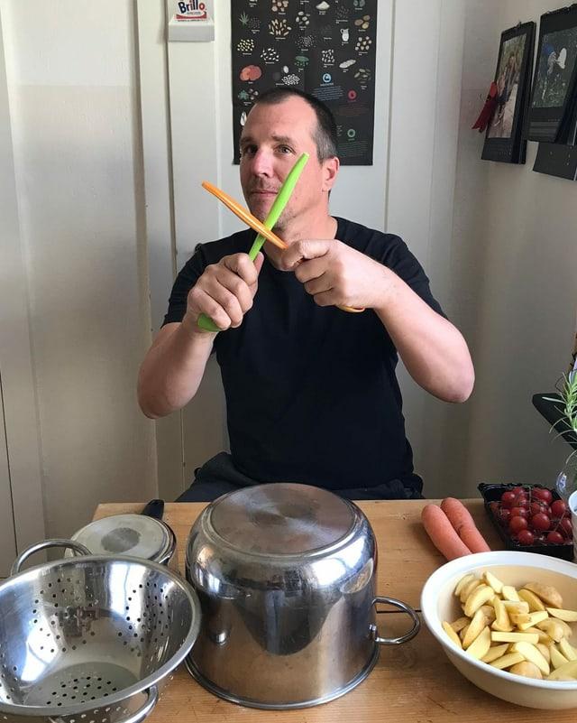 Rolf Caflisch dat cun las paluttas da salata sin las chazzettas