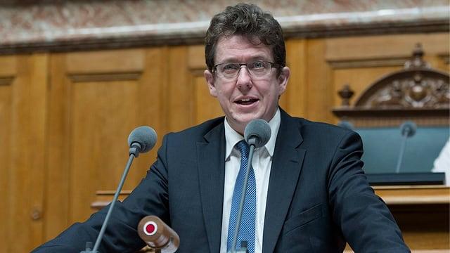 Albert Rösti im Nationalratssaal.
