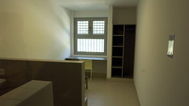 Untersuchungszelle in Tessiner Gefängnis.