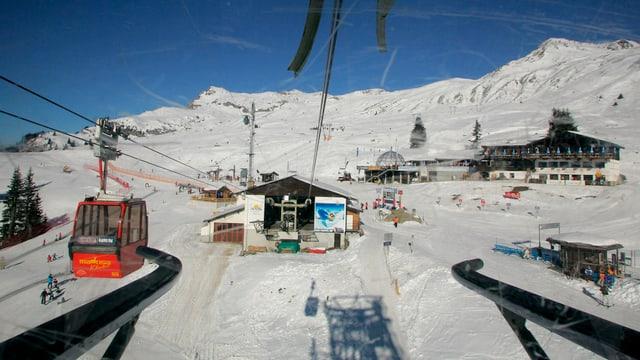 Blick aus einer Kabine auf das Skigebiet Madrisa oberhalb Klosters.