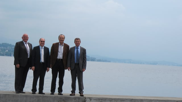 Visionen für den Zürichsee in 40 Jahren (v.l): Markus Kägi (Baudirektor), Ernst Sperandio (Planungsgruppe Pfannenstiel), Ruedi Hatt (Planungsgruppe Zimmerberg), Ernst Stocker (Volkswirtschaftsdirektor).