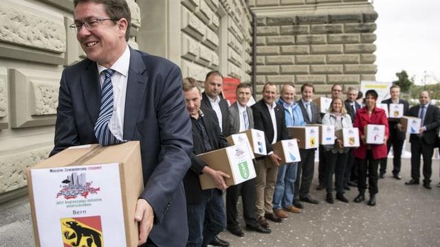 Inoltraziun da l'iniziativa, Röschti cun paket.