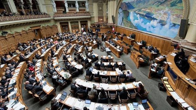 Nationalratssaal mit Nationalräten