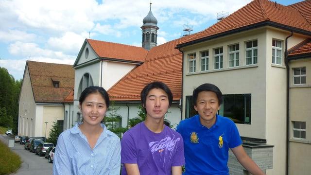 Anxiu, Xingyu e Shichao (da senester)