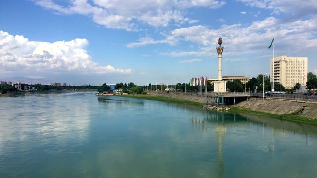 Blick auf einen Fluss.