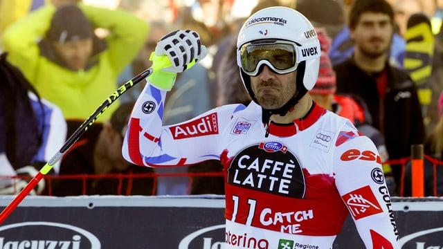 Adrien Theaux celebrescha sia victoria a Santa Caterina.