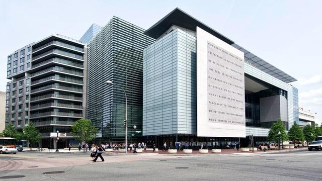 Das Gebäude des News-Museums.