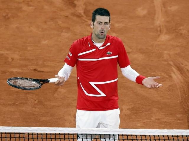 Novak Djokovic während seinem Achtelfinal gegen Karen Chatschanow.