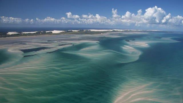 Der Sandstrand scheint zum Baden einzuladen, doch in den Tiefen um das Bazaruto-Archipel toben reissende Wasserströme.