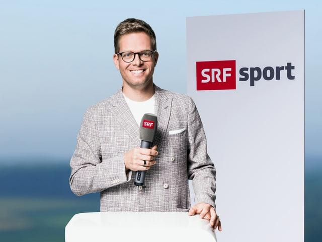 Olivier Borer mit Mikrofon
