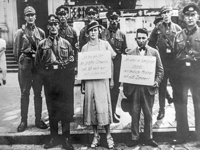 Im Rahmen der Reichspogrome wurden auch in Hamburg Juden verfolgt, verschleppt und zur Schau gestellt.