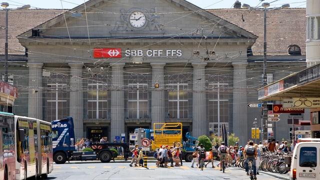 Der Bahnhof Biel.
