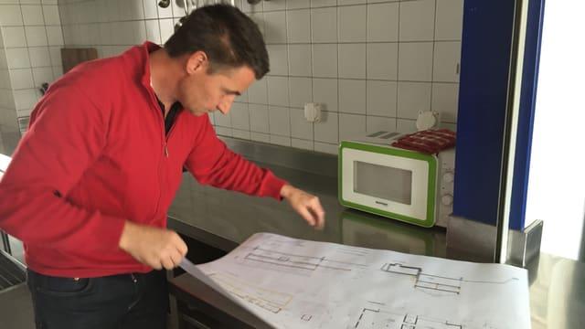 Roberto Zanetti guarda plans