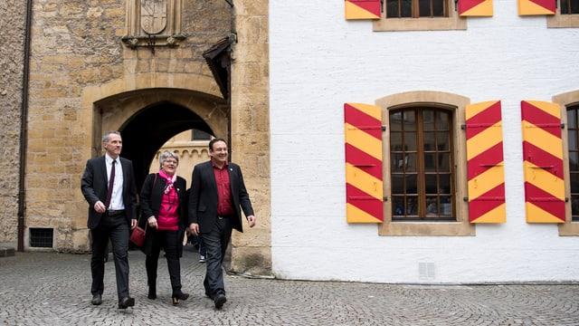 Die SP-Politiker Laurent Kurth, Monika Maire-Hefti und Jean-Nat Karakash.