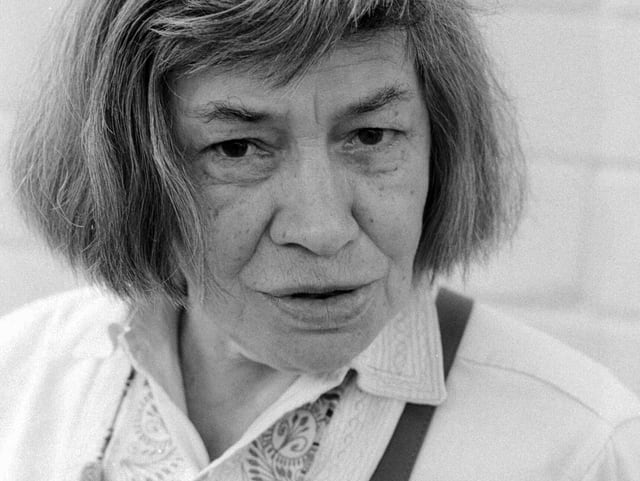 Schwarz-Weiss-Porträtfoto von Patricia Highsmith