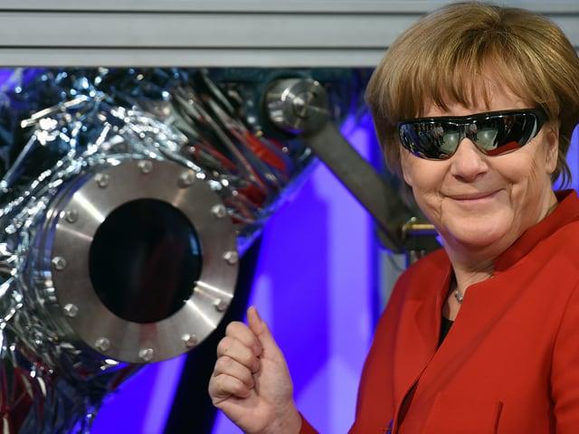 Merkel besucht die ESA-Zentrale in Köln im Mai 2016.