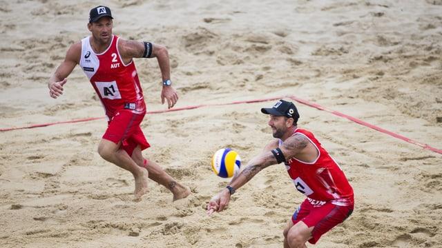 Alexander Horst/Clemens Doppler im Sand.