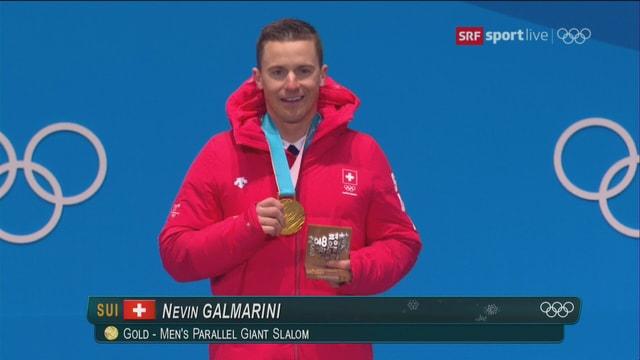 Nach dem Gewinn der Silbermedaille in Sotschi darf der Snowboarder sein erstes olympisches Gold im Empfang nehmen.
