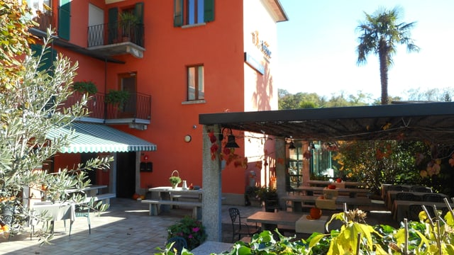 Video «Hotel-Restaurant T3e Terre, Ponte - Tag 1» abspielen