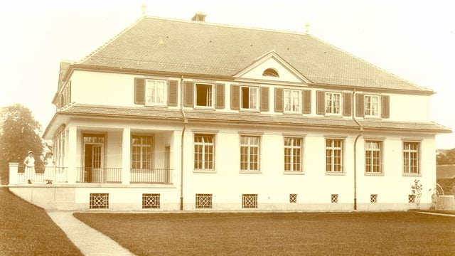 Historische Aufnahme aus ca. 1920 der Villa, das alleine zum Betrieb einer Kinderkrippe errichtet wurde.