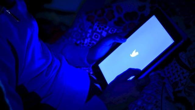 In utilisader dovra Twitter sin ses tablet.