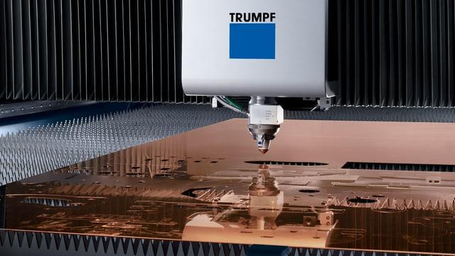 Trumpf Maschine arbeitet auf Kupfer
