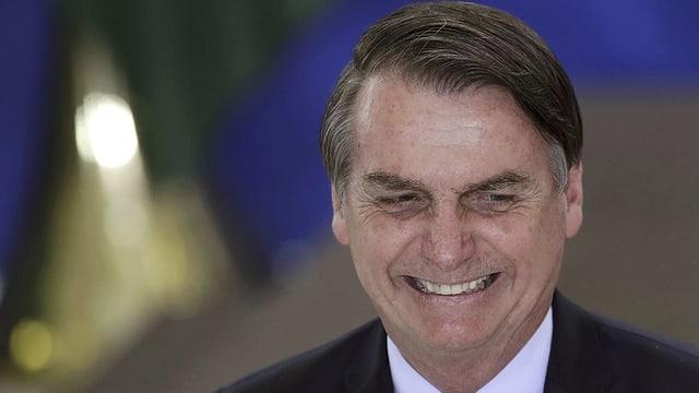 Der brasiliansche Präsident Jair Bolsonaro will den Regenwald wirtschaftlich nutzen.