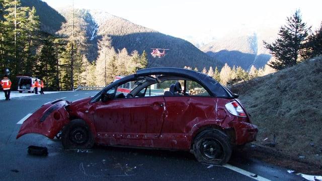 Il vehichel è vegnì donnegià totalmain durant l'accident.