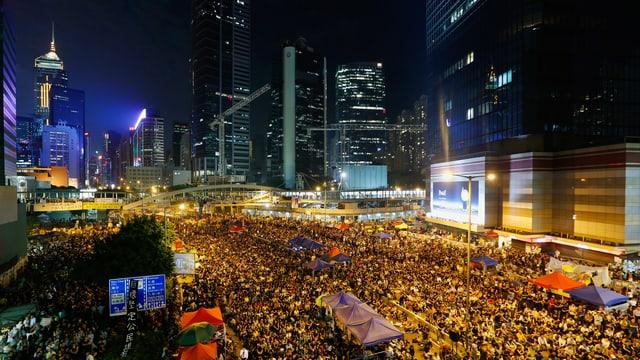 Tausende Demonstranten