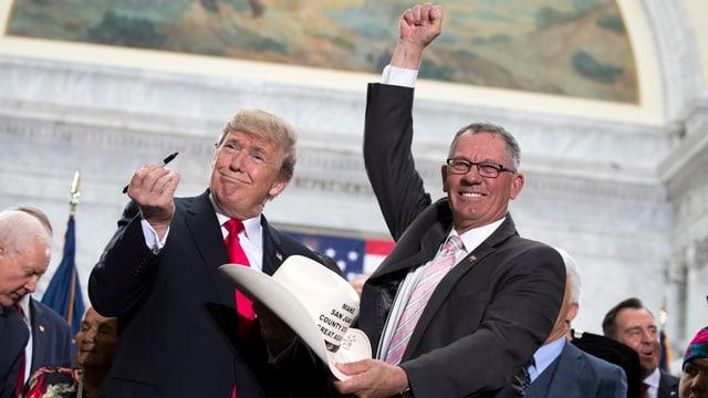 Trump und Bruce Adams.
