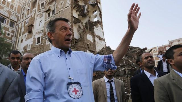 Peter Maurer bei einem Besuch im Jemen.