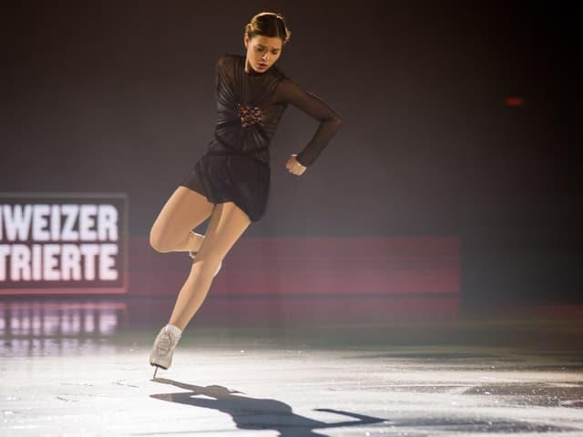 Adelina Sotnikova auf dem Eis.