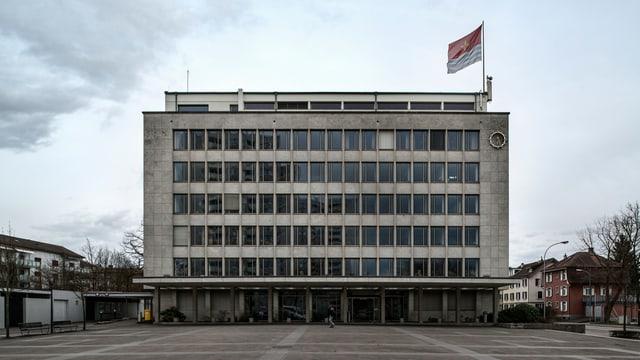 Wettinger Rathaus, ein mehrstöckiger Beton-Klotz