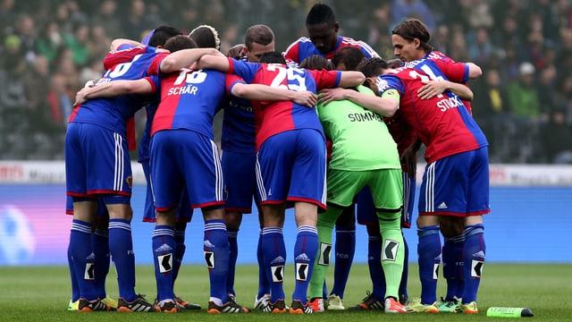 Der FC Basel will sich in Aarau definitiv den Meistertitel sichern.