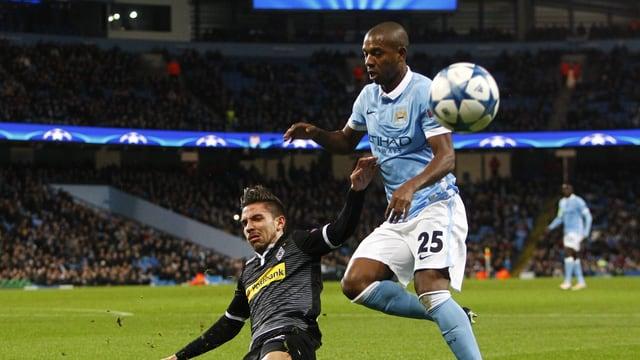 ManCity-Mittelfeldspieler Fernandinho weiss, wie man Dynamo Kiew besiegt.