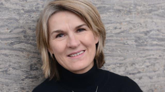 Man sieht ein Porträt von Jutta Eicke.