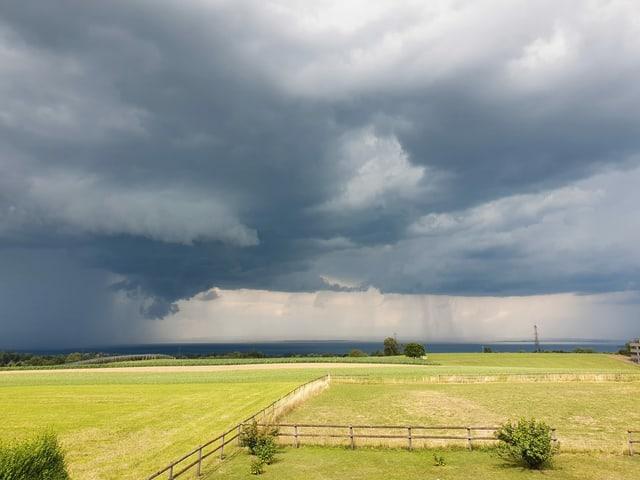 Gewitter über dem Bodensee.