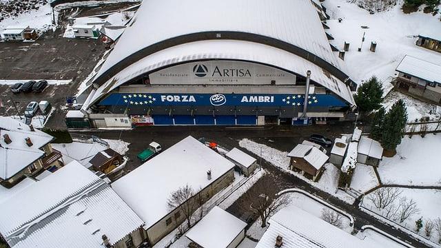 Il stadion da hockey Valascia ad Ambri