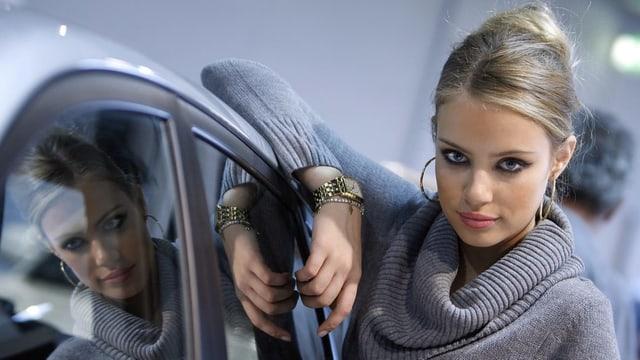 Modell Xenia Tchoumitcheva sagt, dass Sie für ihren Instagram-Post nie Geld bekommen habe,