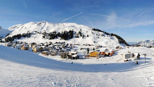 Bergdorf auf dem Stoos (SZ) im Winter.