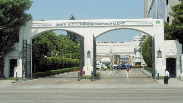 Die Einfahrt zu den Sony-Studios in Culver City.