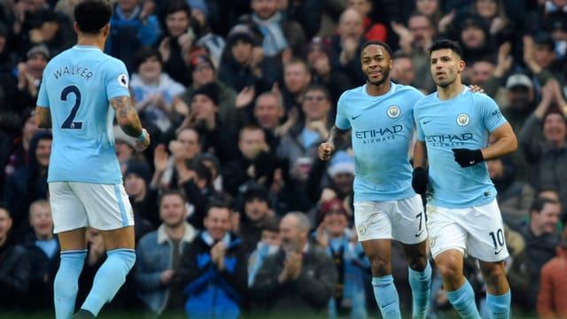 Manchester City Spieler jubeln
