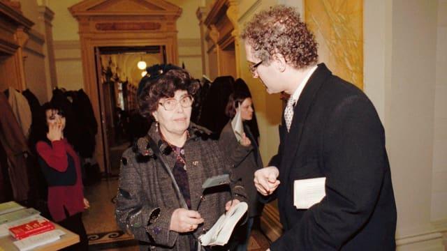 Gizella Weisshaus und Ed Fagan in Bern.