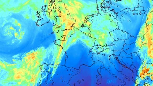 Satellitenbild von Europa im Infrarotbereich mit Wolken von der Schweiz bis nach Grossbritannien.