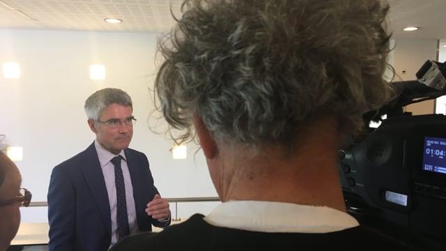 Mario Cavigelli en il focus da schurnalists