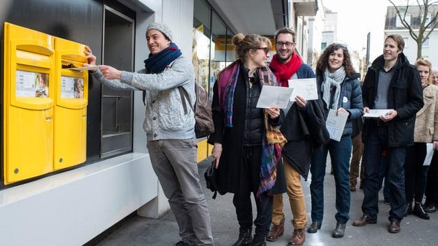 90 Prozent all jener, die überhaupt abstimmen in der Schweiz, tun das brieflich.