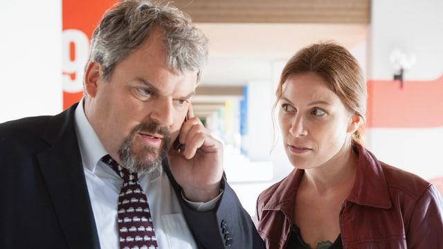 «Was – es git e dritti Staffle? Jää, das froit is aber. Ich sägs dr Barbara grad wiiter!»